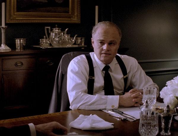 Leonardo DiCaprio in J.Edgar: una sequenza della pellicola di Eastwood in cui l'attore appare invecchiato dal make up