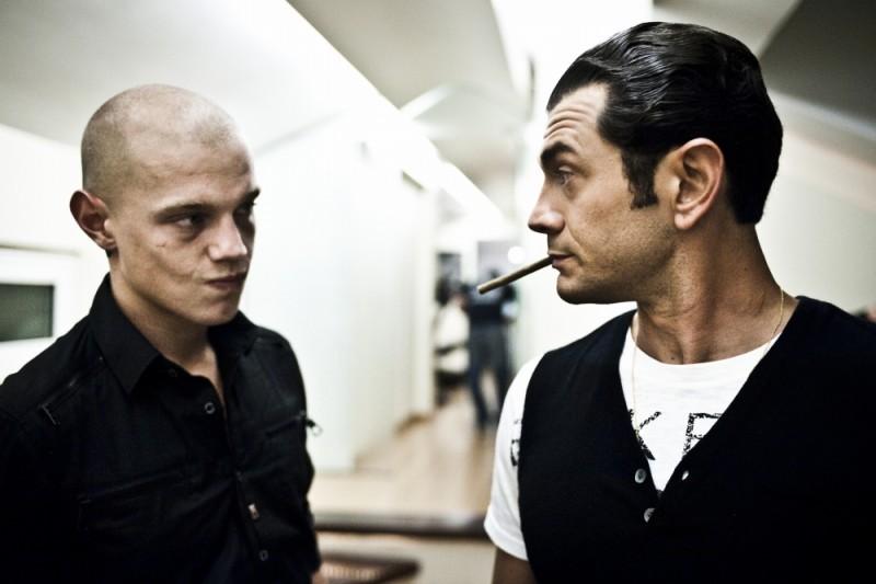 Vinicio Marchioni in una scena del film Scialla! (Stai sereno) insieme a Giacomo Ceccarelli