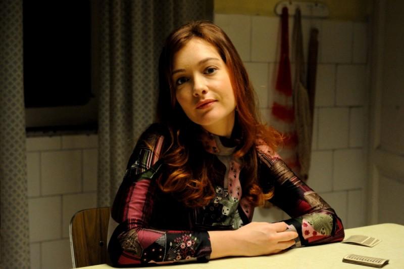 La kryptonite nella borsa: Cristiana Capotondi nei panni di Titina in una foto promozionale del film