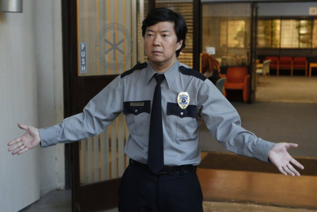Community: Ken Jeong in una scena dell'episodio Competitive Ecology