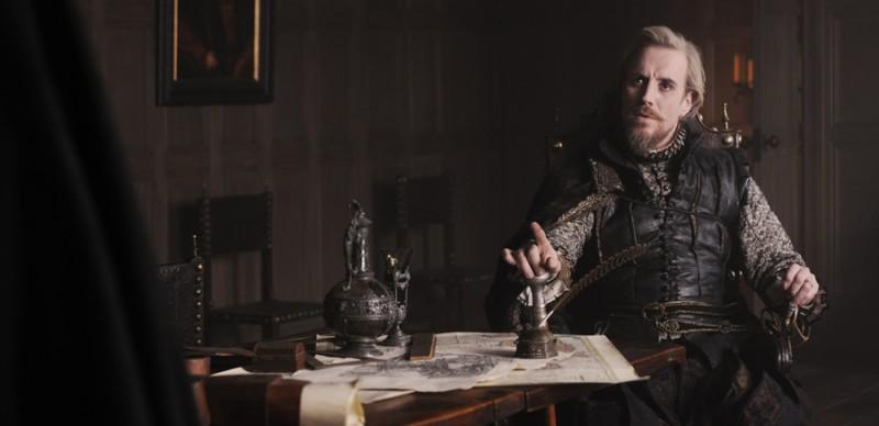 Anonymous: Rhys Ifans nei panni del Conte di Oxford in una scena del film