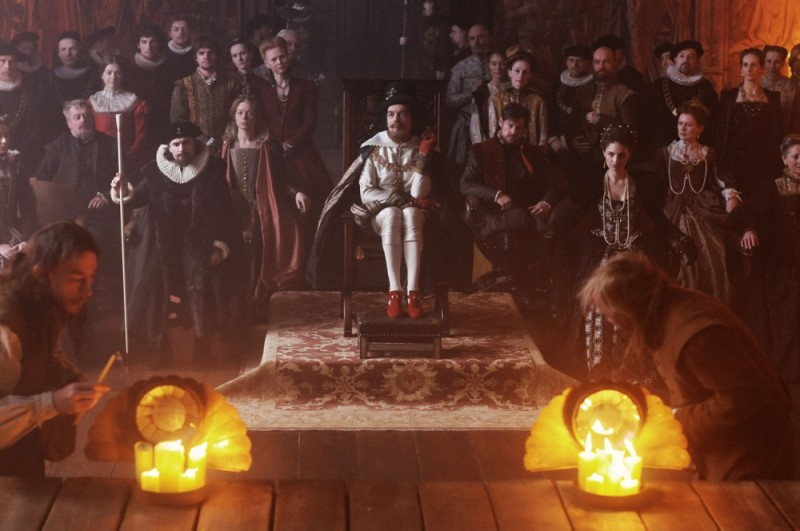 Anonymous, una scena del film su William Shakespeare diretto da Roland Emmerich