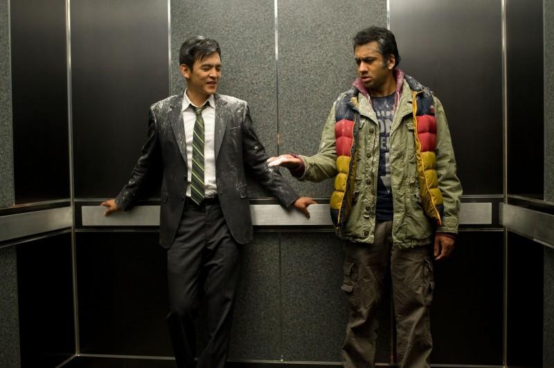 A Very Harold & Kumar Christmas: John Cho e Kal Penn in una scena della commedia natalizia
