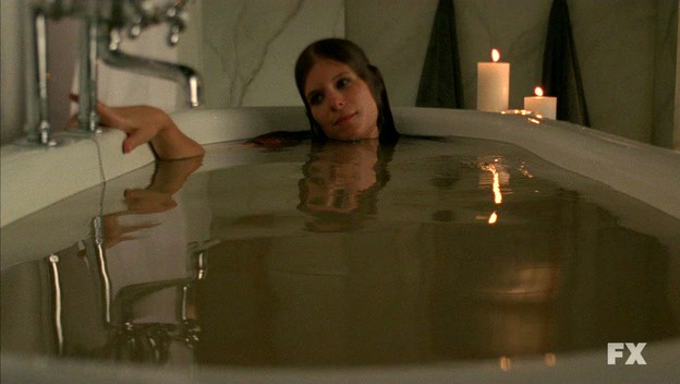 American Horror Story: Kate Mara nell'episodio Halloween - part 2 (stag. 1)