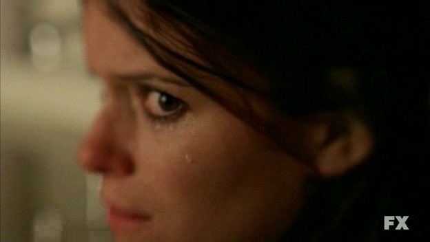 American Horror Story: primo piano di Kate Mara nell'episodio Halloween - part 2 (stag. 1)