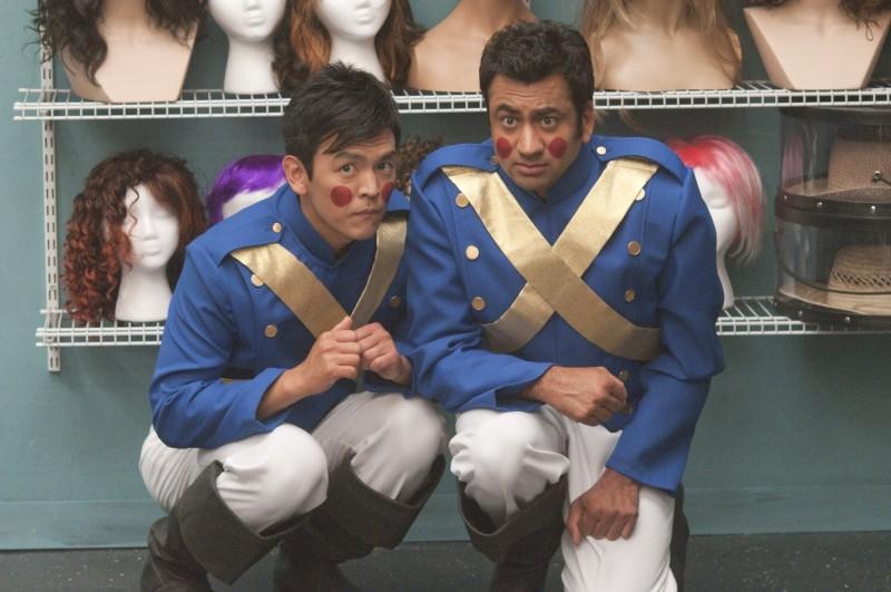 Il duo John Cho e Kal Penn in una scena di A Very Harold & Kumar Christmas