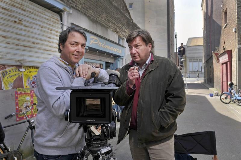 Il regista Aki Kaurismäki sul set di Miracolo a Le Havre