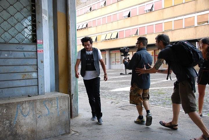 Mohamed Zouaoui sul set di Un amore e una vendetta