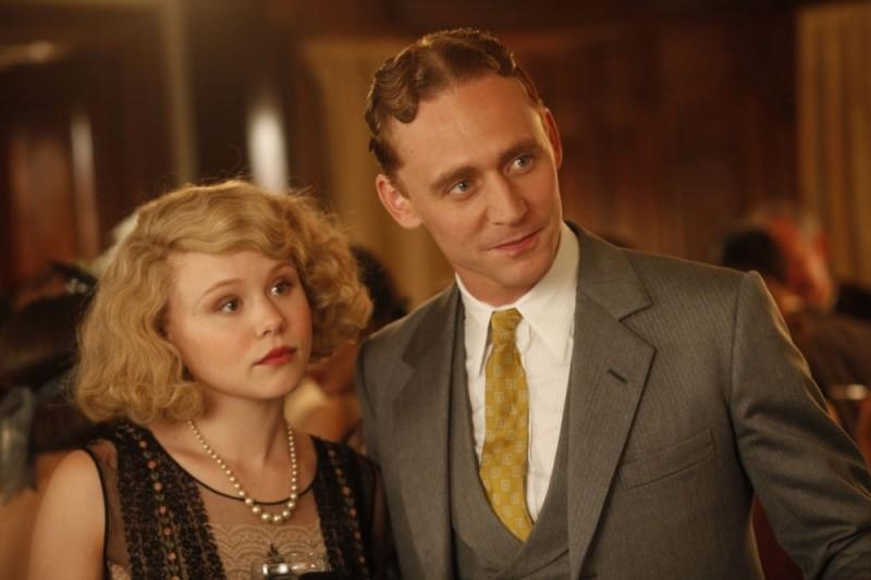 Alison Pill e Tom Hiddleston in una scena di Midnight in Paris