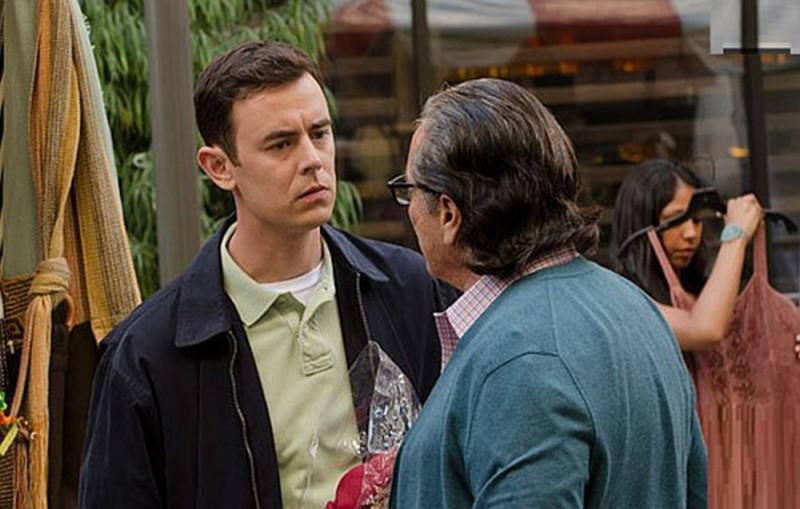 Colin Hanks e Edward James Olmos in una scena dell'episodio Just let go