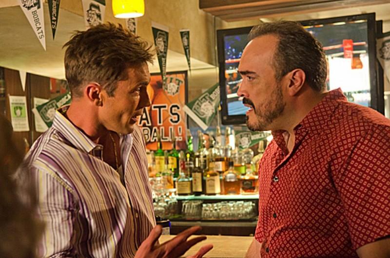 Desmond Harrington e David Zayas in una scena dell'episodio The Angel of Death