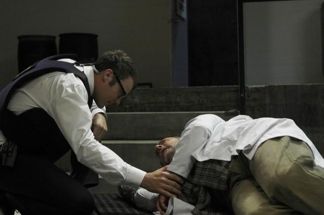 Fringe: Seth Gabel ed Arye Gross nell'episodio Novation