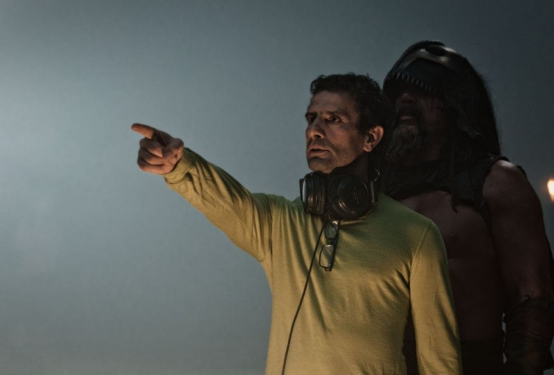 Il regista Tarsem Singh dirige gli attori sul set del film Immortals 3D