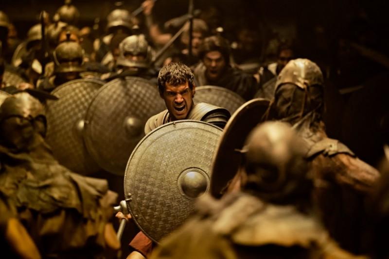 Immortals 3D: Henry Cavill combatte nei panni di Teseo in scena d'azione del film