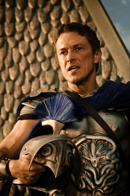 Luke Evans nei panni di Zeus in una scena del film d'azione epico Immortals 3D