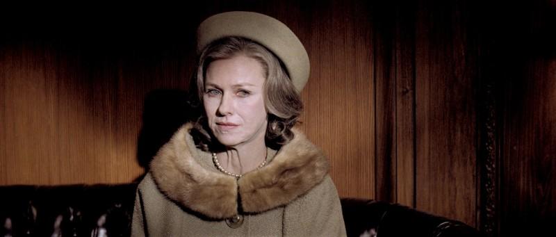 Naomi Watts invecchiata in una scena del biopic J.Edgar