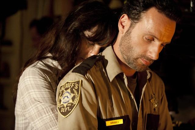 The Walking Dead: Andrew Lincoln e Sarah Wayne Callies nell'episodio La rosa di Cherokee