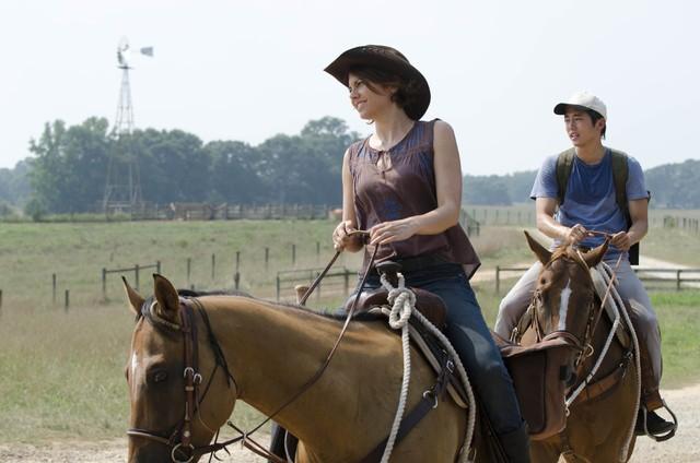 The Walking Dead: Lauren Cohan e Steven Yeun in una scena dell'episodio La rosa di Cherokee