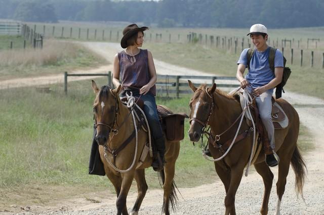 The Walking Dead: Lauren Cohan e Steven Yeun nell'episodio La rosa di Cherokee