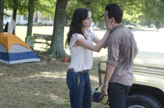 The Walking Dead: Sarah Wayne Callies ed Andrew Lincoln nell'episodio Chupacabra