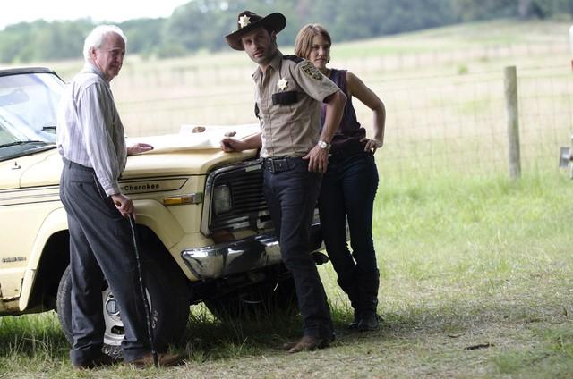 The Walking Dead: Scott Wilson, Andrew Lincoln e Lauren Cohan nell'episodio La rosa di Cherokee