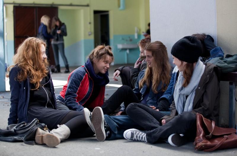 17 ragazze, le giovani protagoniste del film sulla maternità diretto da Delphine e Muriel Coulin
