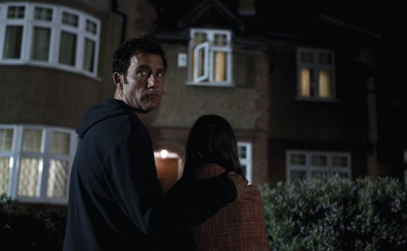 Clive Owen in un'immagine del thriller Intruders