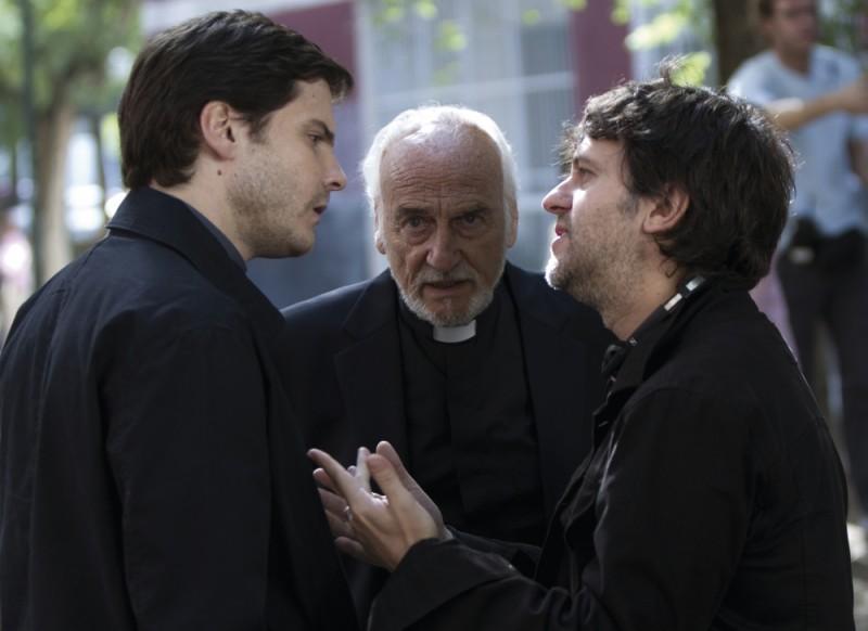 Daniel Brühl e Juan Carlos Fresnadillo sul set del thriller Intruders insieme a Héctor Alterio