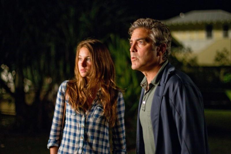 George Clooney in una scena del film The Descendants con Shailene Woodley