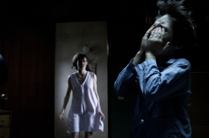 Intruders: una scena del thriller diretto da Juan Carlos Fresnadillo