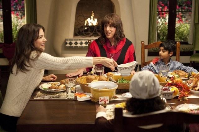 Katie Holmes e Adam Sandler in Jack and Jill con il piccolo Rohan Chand
