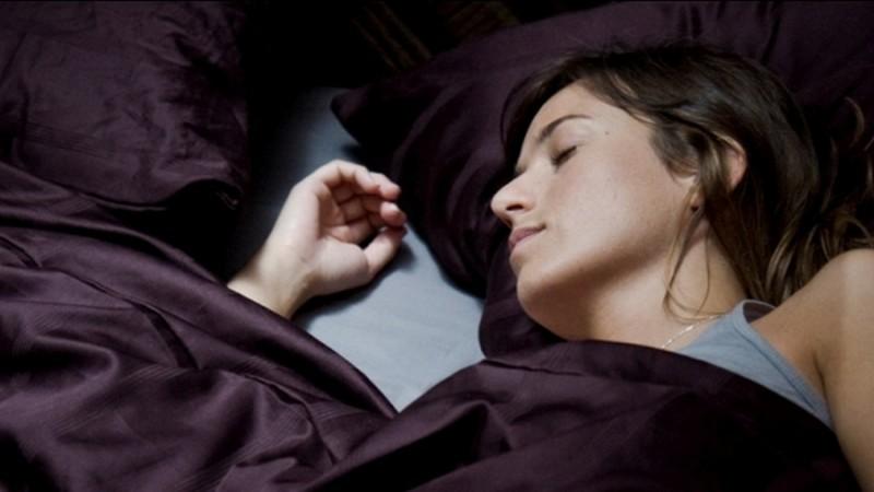 Sleep Tight: Marta Etura in una scena del film