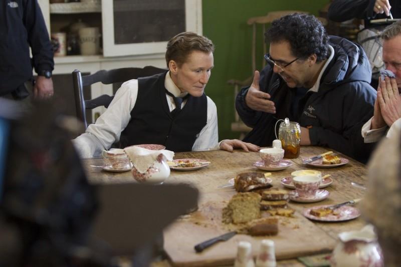 Glenn Close sul set di Albert Nobbs insieme al regista Rodrigo Garcia