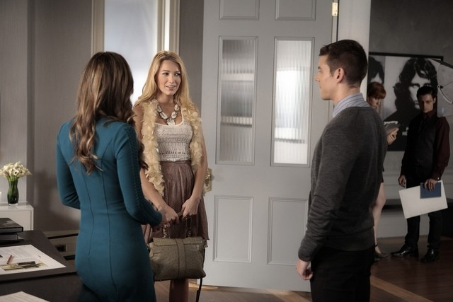 Gossip Girl: Blake Lively, Brian J. Smith ed Elizabeth Hurley nell'episodio The Big Sleep No More