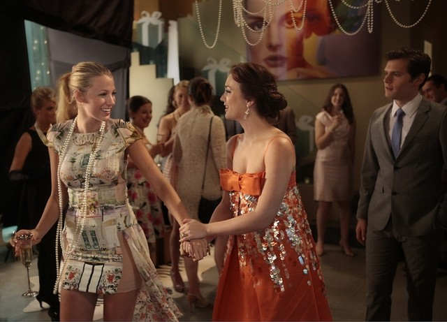 Gossip Girl: Blake Lively e Leighton Meester nell'episodio All the Pretty Sources