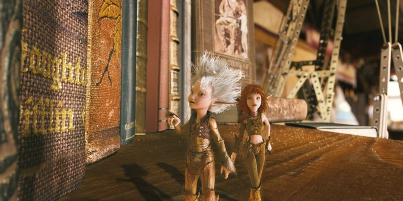 Arthur e Selenia in una scena del film di animazione Arthur 3: La guerra dei due mondi