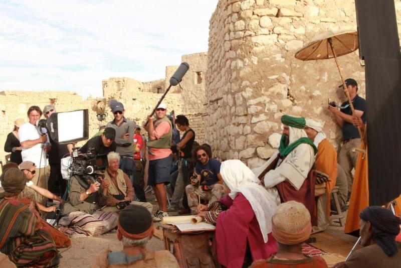 Un'immagine dal set del film Il principe del deserto