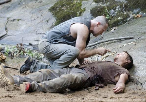 The Walking Dead: Michael Rooker e Norman Reedus nell'episodio Chupacabra