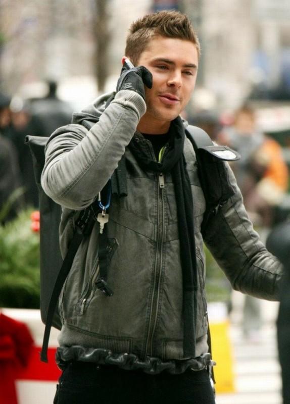 Zac Efron in una scena di Capodanno a New York