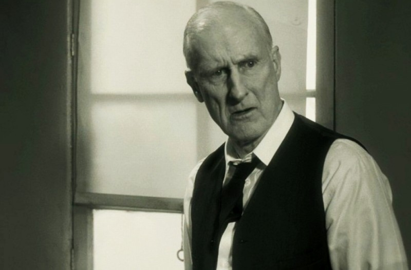 James Cromwell in una scena di The Artist