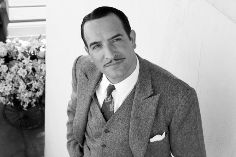 Jean Dujardin nei panni di George Valentin in una scena di The Artist