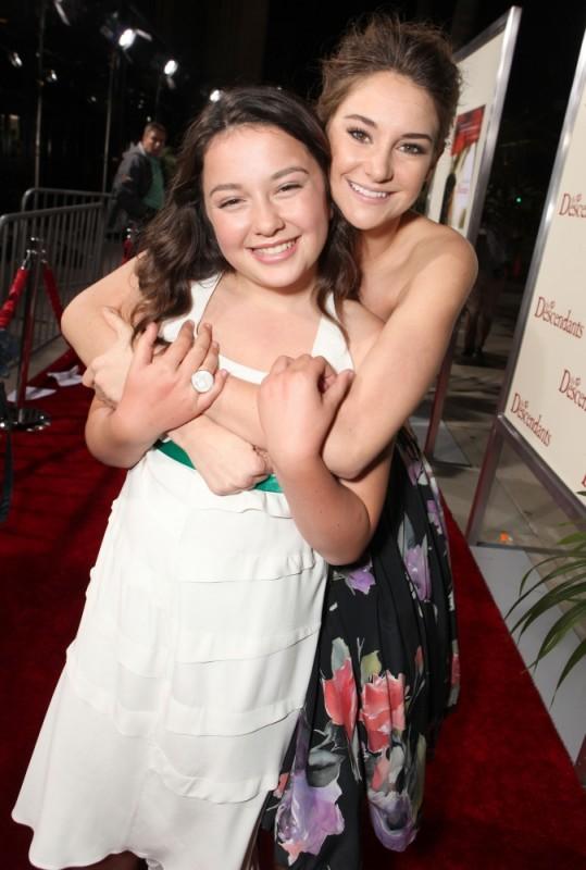 Shailene Woodley insieme ad Amara Miller sul red carpet della premiere di The Descendants a Beverly Hills