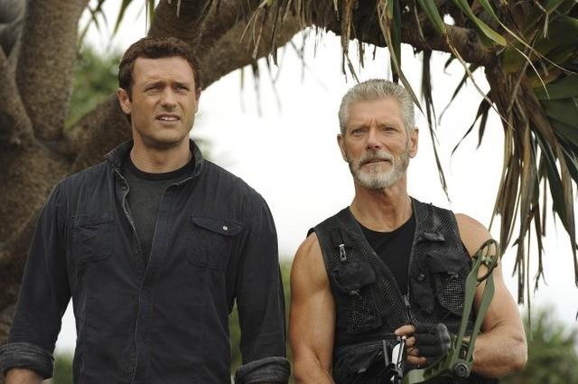Terra Nova: Jason O'Mara e Stephen Lang nell'episodio Proof