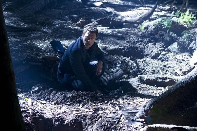 Terra Nova: Jason O'Mara nell'episodio Vs.