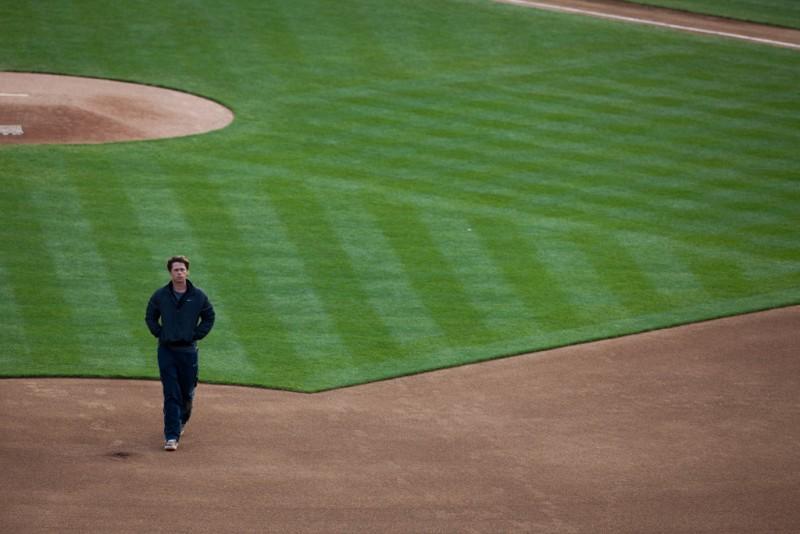 L'arte di vincere - Moneyball: Brad Pitt in una suggestiva scena del film