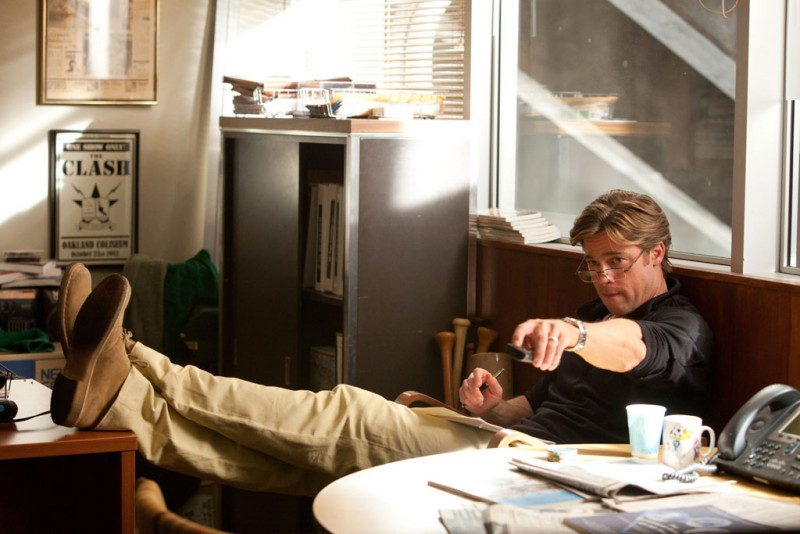 L'arte di vincere - Moneyball: Brad Pitt nei panni del general manager degli Oakland's Athletics in una scena del film