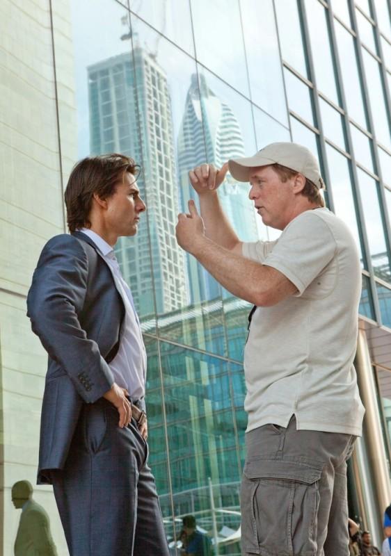 Tom Cruise insieme al regista Brad Bird sul set di Mission: Impossible - Protocollo Fantasma