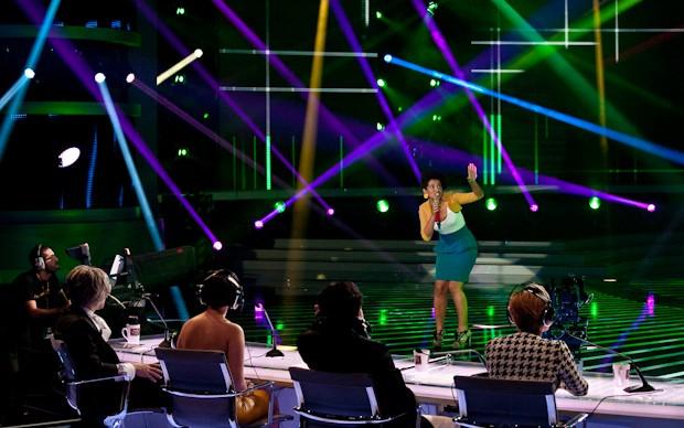 X-Factor 5: Rahma Hafsi canta Street life nella prima puntata