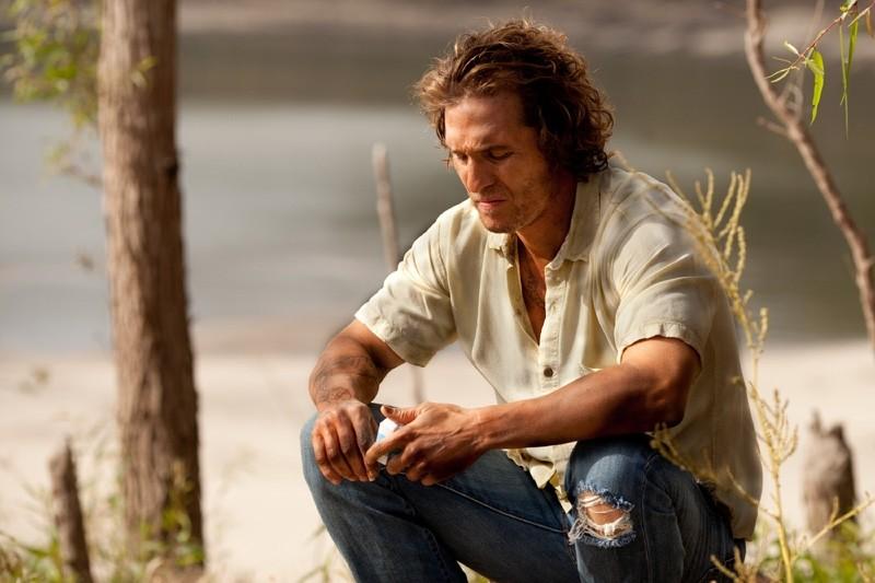 Matthew McConaughey in un'intensa immagine del drammatico Mud