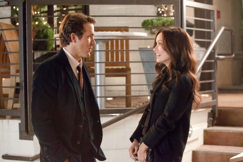 Ryan Reynolds e Olivia Wilde in una scena di Cambio Vita